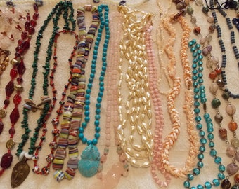 Lot 21 Vintage/modern very heavy beaded necklaces some cabachon/pendant large variety for supply/craft etc