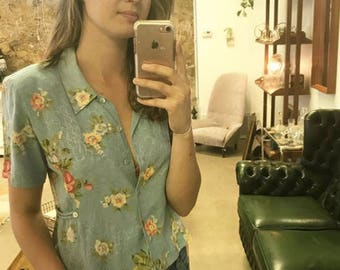 Vintage Blue Floral Cropped Button Down Short Sleeve Shirt
