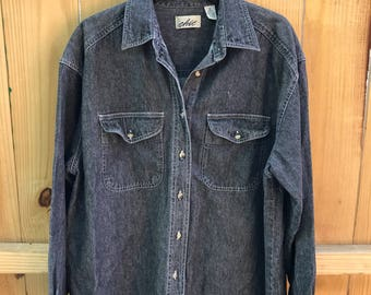 Woman's 90s Faded Black Denim Button Down / Ladies Chic Black Denim Shirt Size Medium