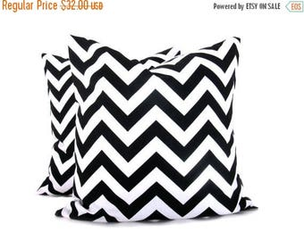 15% Off Sale Throw pillow covers 18x18 Black and White Chevron Zig Zag Black Pillow. House Wares.Decorative Pillows.Printed fabric front and