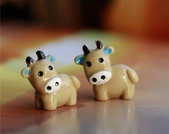 2PC Cow Animals Fairy Garden Miniatures Mini Gnomes Moss Terrariums Resin Crafts Figurines For Garden Decoration
