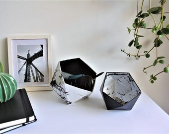 Origami boxes marble and black