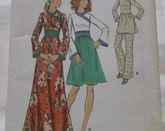 Vintage Butterick Pattern 6527.  Size 10 Bust 32.5.  Misses Dress Tunic Pants.  Uncut pattern.  Printing Unknown.  3 Lengths.
