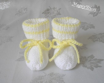 Bottons baby yellow and white baby wool