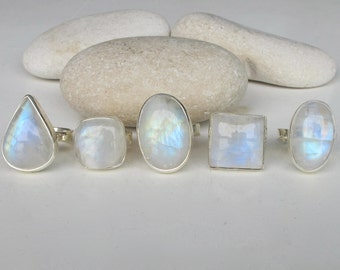 Oval Rainbow Moonstone Ring- June Birthstone Moonstone Ring- Statement Gemstone Silver Ring- Large Chunky Stone Ring