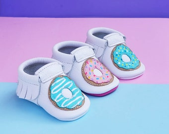 Donut Moccasins | Baby Moccasins | Handmade moccs | Crib Moccs | Leather Shoes| Crib Booties  | Donut moccs