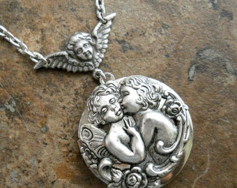 Kissing Angels Locket, Kissing Cherubs Locket, EXCLUSIVE DESIGN Only From Enchanted Lockets