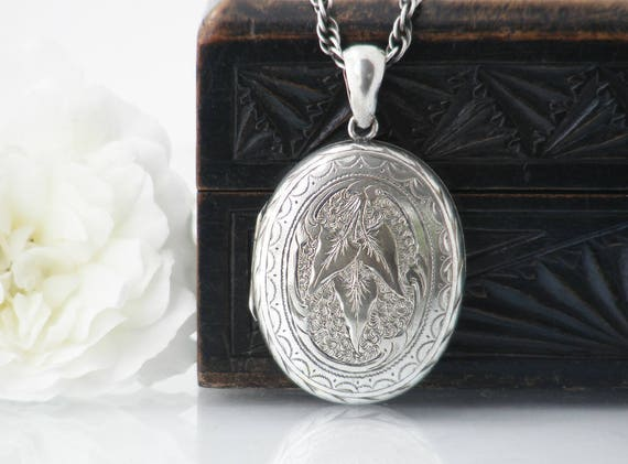 Victorian Locket Necklace | Large Oval Antique Silver Locket | Ivy leaf Design | Photo Locket - 25 Inch Heavy Sterling Silver Rope Chain