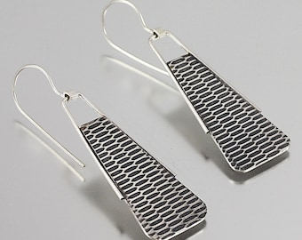 Flutter Earrings Short - Textured Mod Dangle Earrings