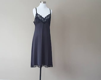 M / Slip / Black / Lace Extender Hem / Medium