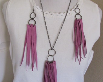 Necklace Beautiful Pink Soft Suede Leather Fringe Necklace and Earring Set (45C)