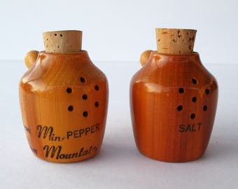 Wooden Moonshine Souvenir Salt & Pepper shakers corks Iron Mountain Michigan