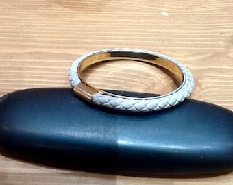 Bangle metal dore and braided grey leather