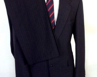 euc Towncraft Navy Blue Pinstripe 100% Wool Men's 2 Pc Business Suit sz 44 R