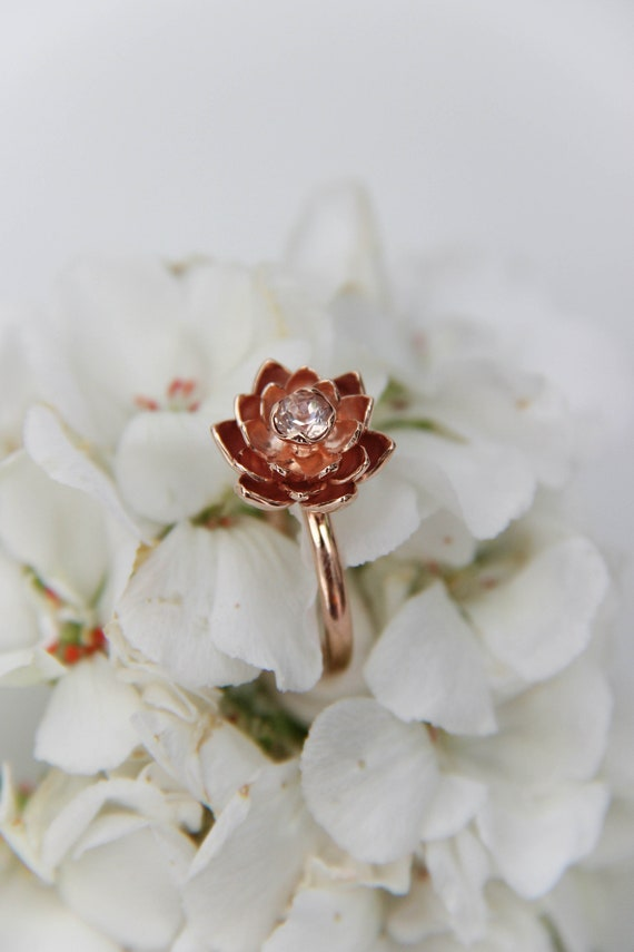 Rose gold engagement ring with lotus flower and morganite, unique proposal ring, delicate gold flower ring, nature inspired floral jewelry