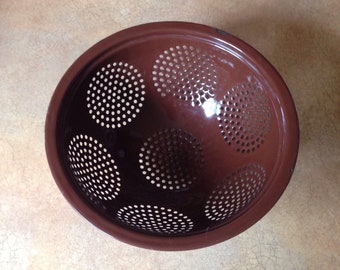 Footed Colander or Strainer in Chocolate Brown Enamel - Vintage Cookware - Farmhouse Kitchen Decor