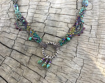 Elegant necklace in shades of the sea