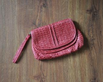 70s red raffia clutch / small woven straw purse / 1970s crochet wristlet bag