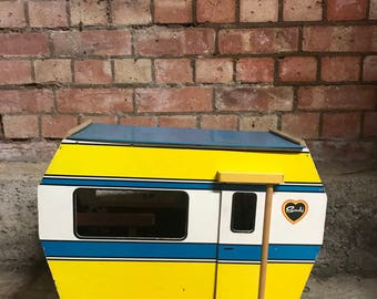 Vintage 1970's Sindy Doll's Caravan