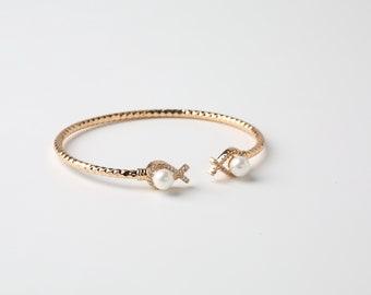 Gold Bracelet Cuff Pearl Bangle Gold Plated Bracelet Adaptable Bracelet Pearl Bangle Bracelet Minimal Jewelry Open Bracelet Dainty Jewelry