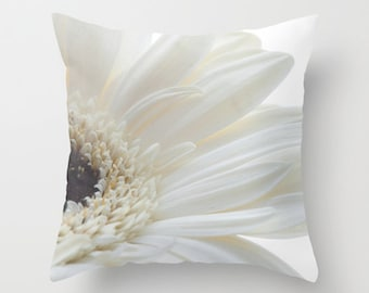 Daisy Pillow Case, Floral Ivory Throw Cushion Cover, Victorian Decor, French Cottage Chic, Gerbera Daisy Home Accent, Cream Botanical Art