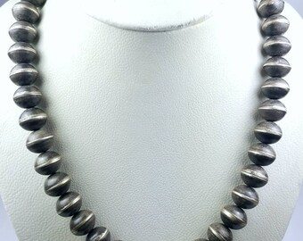 Vintage Native American Sterling Silver Navajo Pearl beaded necklace