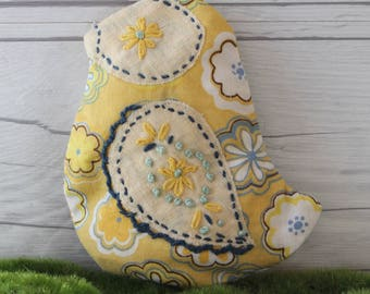 Small Vintage Fabric Chick with Lavender Sachet Pouch, Lavender Drawer Sachet