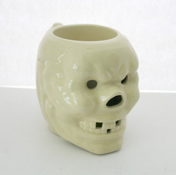 Vintage Trader Vic's Skull Mug | Vintage Early 1960s Ceramic | Scary Halloween