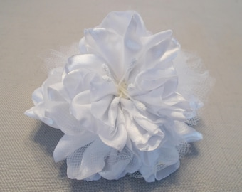 White Flower Pin, 4 Inch Flower Brooch, Flower Pin with Stamen Center, White Floral Pin with Tulle