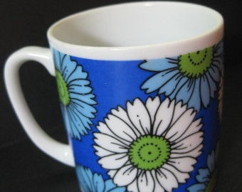 Pair Retro Flower Power Mugs with Blue Asters, Flowers, Daisies,1960s 1970s, on Etsy by TheRetroLife
