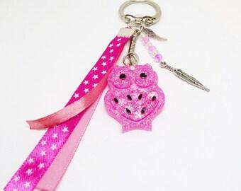 Porte clef / Bijou de sac chouette rose en résine