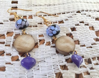 Purple dangle earrings - Victorian earrings - Purple heart - Purple and blue - Handmade beads - Glass beads - Mother of pearl -