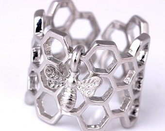 Bee Honeycomb Ring (Silver)