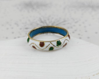 White Enamel Ring - UK Size O - Vintage Metal Ring - Gift for Women - Mother's Day Gift -  Handpainted Ring - Gift under 25 - Vintage Ring