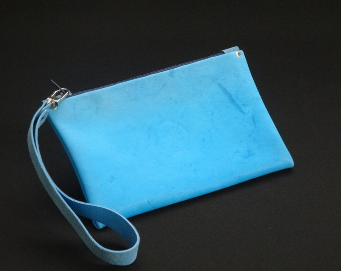 James Zip Purse - Genuine Kangaroo Leather Zip Purse Wallet Wrist Strap Handle - Soft Blue