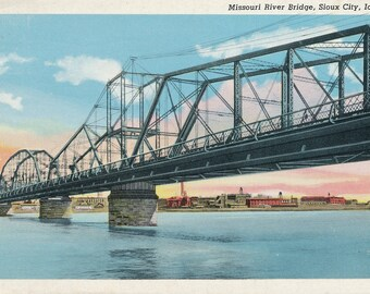Missouri River Bridge, SIOUX CITY, IOWA, Linen type postcard, 97014-N. Posted 1950. Vintage, Collectable, Junk Journal.