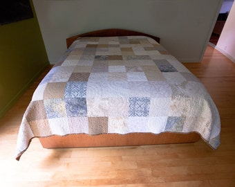 Neutral Colors Quilt in Queen or King Size, Double, Twin, and Throw size, Patchwork, Modern Minimal Style Bedroom Decor Bed Quilt Handmade