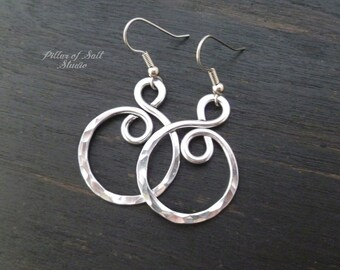 Hammered aluminum earrings - wire wrapped jewelry handmade - aluminum jewelry - silver earrings spiral hoop earrings - 10th anniversary gift