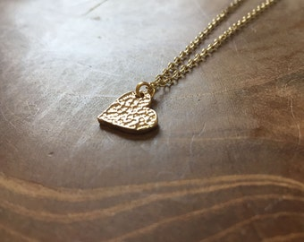 Tiny Heart - cute necklace with a little heart pendant. goldtone, cute, modern, hip, trendy, gold, boho, bohemian, trend, fashion, love
