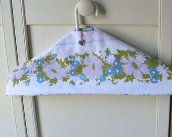 Pretty Closet safe, clothing protector, padded hanger with hidden pocket, CSf37