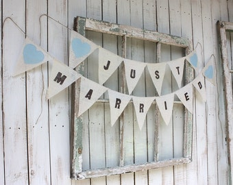 Just married banner with light blue hearts