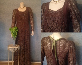 Late 1920s , Early 1930s  Gatsby Metallic Lace Gown, Milk  Chocolate with Splashes of Chartreuse, Elegant