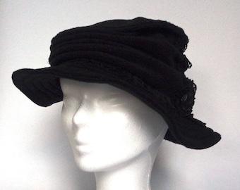 Chapeau Femme en Polaire Noir Taille L - Crooked Hat
