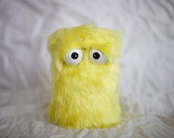 Les enfants Instruments Shaker - fourrure jaune fait main Durable respectueux de l'environnement amusant plus cool Shaker batterie Instruments pour les enfants