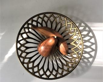 Vintage Solid Brass Basket, Heavy Metal Fruit Bowl, Flower Petal Bread Basket, Modern Boho Glam, Pinwheel Centerpiece, Woven Gothic Arches
