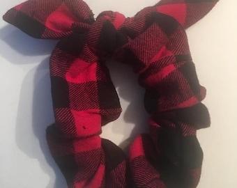 checkered hair scrunchies, checkered hair elastic, hair scrunchies, hair elastic , black red scrunchies, black rd elastic