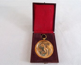 Vintage Henry Sedan birds bronze copper medal military WW2 vintage france vintagefr Virgin Medal
