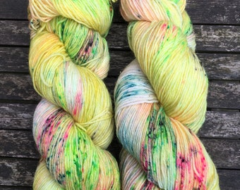 Pina Colada (superwash merino w/ nylon - 100g hand dyed sock yarn)
