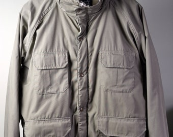 Vintage WOOLRICH Light Tan or Stone Field Jacket Style 65/35 Parka Zip/Snap Front Size L Large Made in USA
