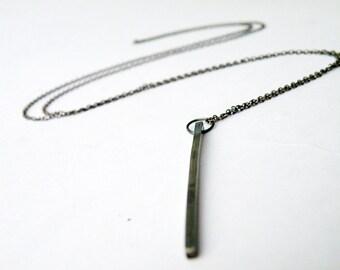 Lange geometrische Bar Halskette oxidiert Sterling Silber Halskette minimalistischen Anhänger Halskette von SteamyLab